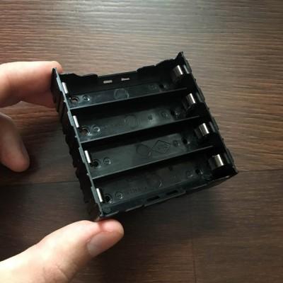 Холдер на четыре аккумулятора 18650